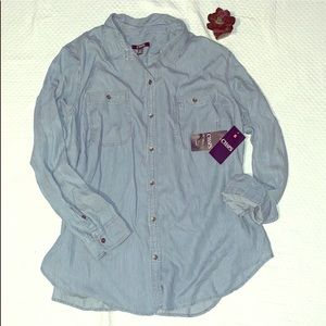 Woman's CHAPS Soft Button Down Longsleeve top 🌸